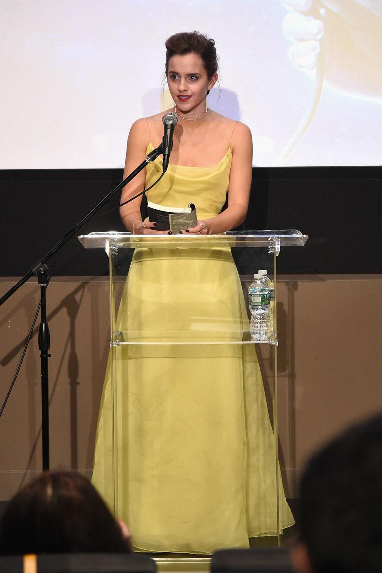 Emma Watson robe jaune longue