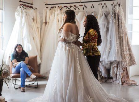 Robe de mariée: l'émotion du premier essai!