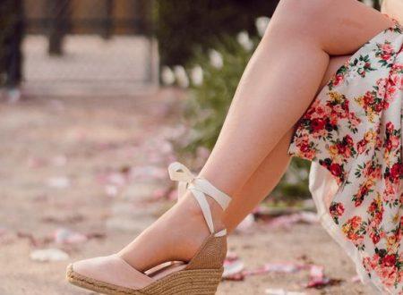 Chaussures compensées – à qui conviennent-elles et comment les porter?